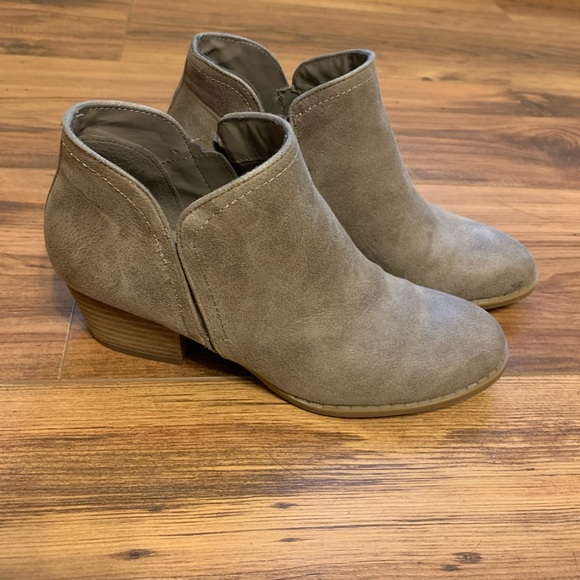 Fergie ankle booties